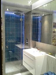 nowoczesne i efektowne szklane kabiny prysznicowe
